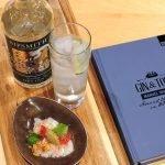 Sipsmith gin – Ceviche van schelvis – crumble van Parmezaanse kaas & amandelen