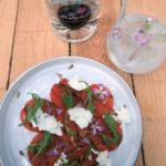 Gegrilde watermeloen – Buffelmozzarella – Zonnebloempitten – The Herbalist Gin