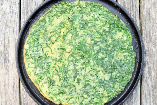 Spinazie omelet met opgeklopte verse kaas en Filet d'Anvers